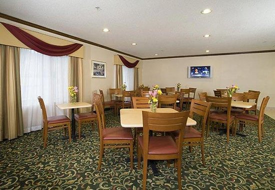 Fairfield Inn Chicago Southeast/Hammond: Breakfast Seating Area