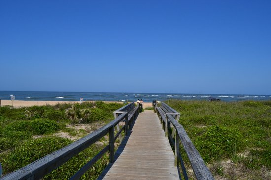 Hampton Inn & Suites St. Augustine-Vilano Beach: the beach