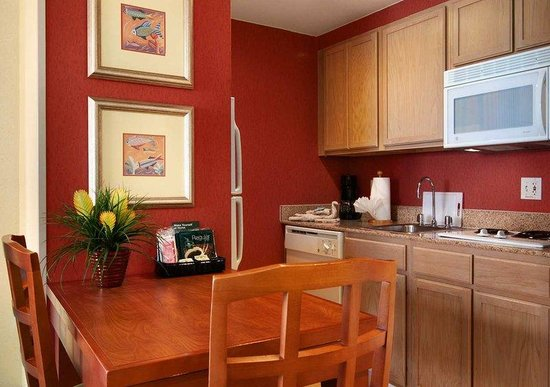 Homewood Suites Orlando-Nearest to Universal Studios: Suite Kitchen