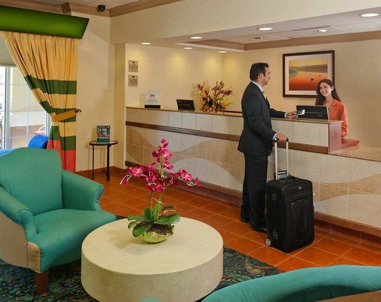 Homewood Suites Orlando-Nearest to Universal Studios: Lobby