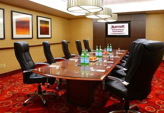 Minneapolis Marriott Southwest: Boardroom
