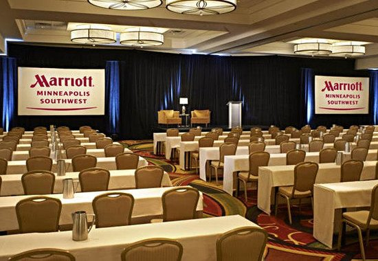 Minneapolis Marriott Southwest: Lake Minnetonka Ballroom - Theater Setup