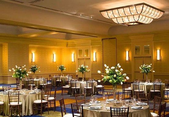 Boston Marriott Cambridge: Grand Ballroom Wedding