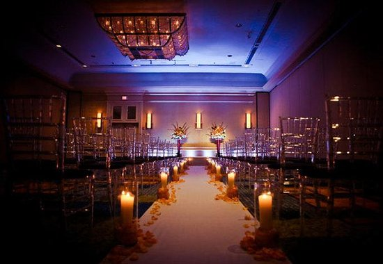 Boston Marriott Cambridge : Grand Ballroom Ceremony 