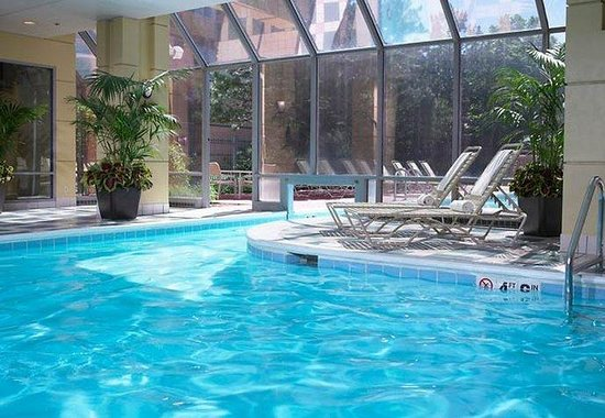 Downers Grove, IL: Indoor Pool