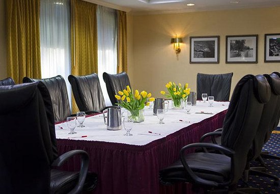 Annapolis Marriott Waterfront: Severn Boardroom