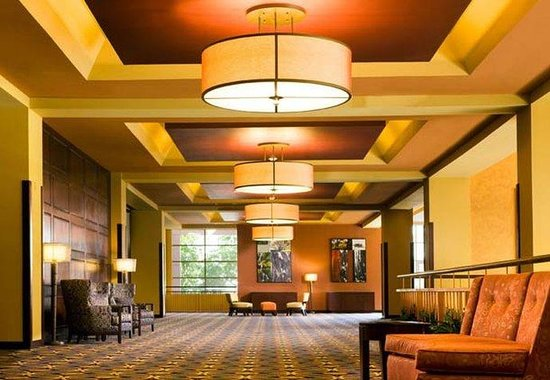 Monterey Marriott: Foyer