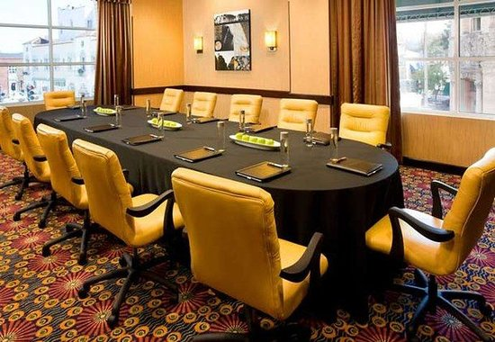 Monterey Marriott: Boardroom