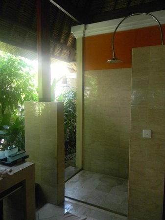 Novotel Bali Benoa: Outdoor shower