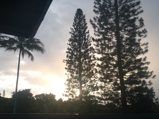 Kapaau, HI: Sunset from sundeck