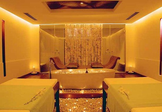 JW Marriott Hotel Mumbai: Couples Massage Room