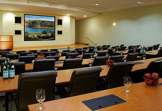 Opelika, AL: Amphitheater Meeting Room