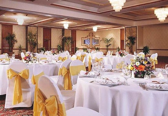 Marriott Vail Mountain Resort & Spa: Ballroom Social