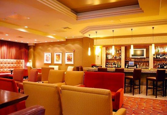 Marriott Visalia: Zhuo's Lounge