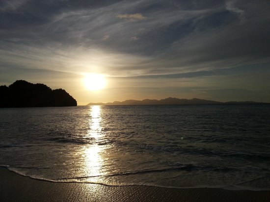 Tanjung Rhu Resort: sunset view
