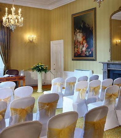 Dalmahoy, A Marriott Hotel & Country Club: Lothian Room - Civil Ceremony Setup