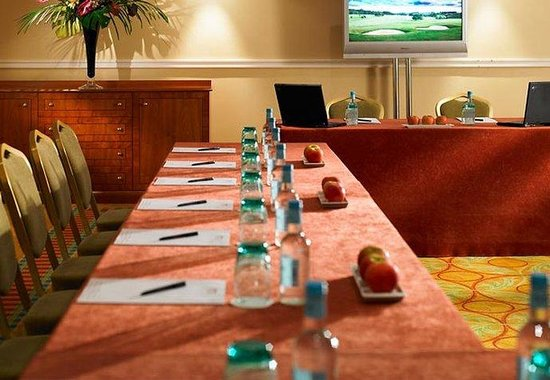 Tudor Park, a Marriott Hotel &amp; Country Club: Boardroom Meetings