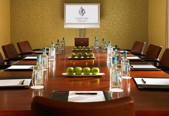 Tudor Park, a Marriott Hotel &amp; Country Club: Boardroom
