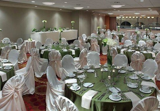 Calgary Marriott Downtown Hotel: Kensington Ballroom - Rounds Style