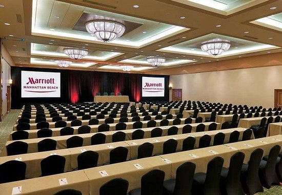 Manhattan Beach Marriott: Ballroom Classroom Setup