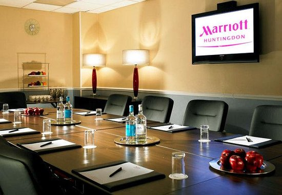 Huntingdon, UK: Director's Boardroom