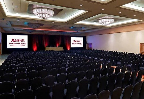 Manhattan Beach Marriott: Ballroom Theatre Setup
