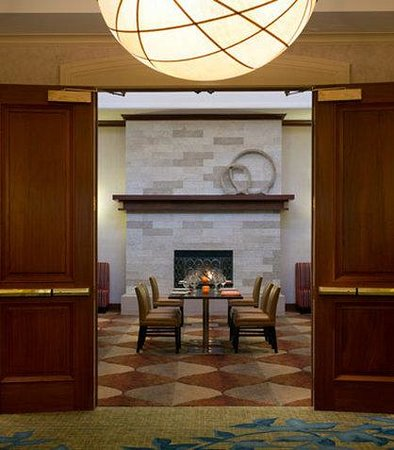 Denver Airport Marriott at Gateway Park: Aspen Room Foyer