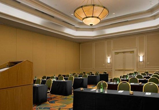 Denver Airport Marriott at Gateway Park: Meeting Room – Classroom Setup