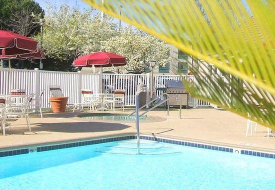 Fremont, CA: Outdoor Pool