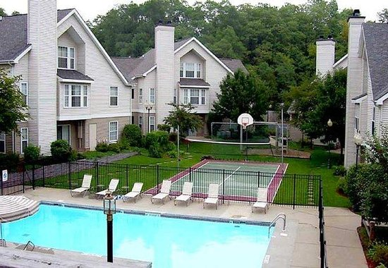 Residence Inn South Bend: Outdoor Pool &amp; Sport Court