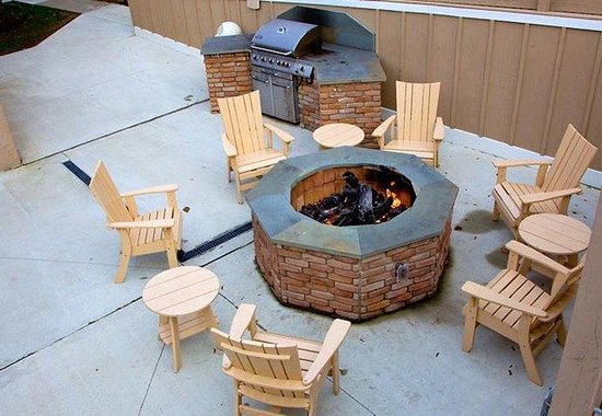 Williston, VT: Fire Pit