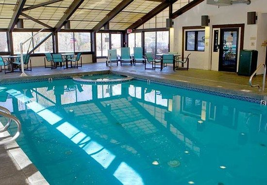 Williston, VT: Indoor Pool &amp; Whirlpool