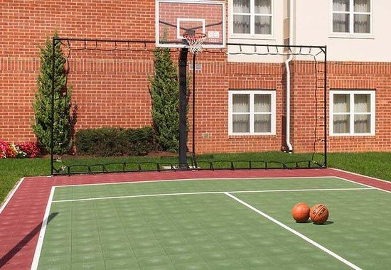 Residence Inn Dulles South: Sport Court