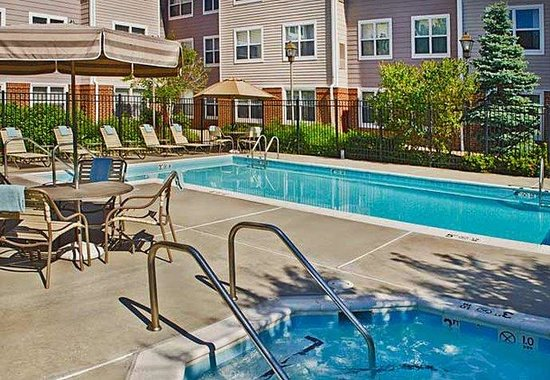 Residence Inn Fairfax Merrifield: Outdoor Pool