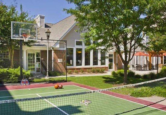 Residence Inn Fairfax Merrifield: Sport Court