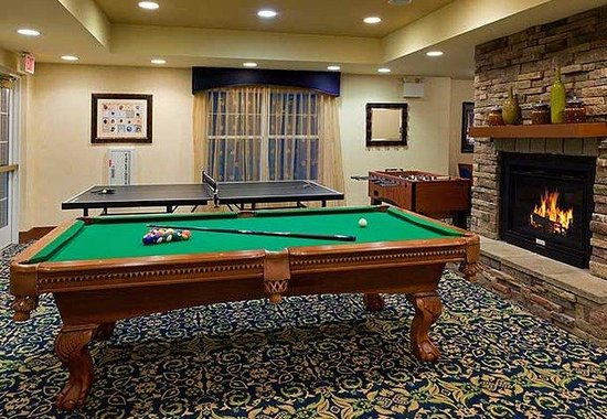 Stanhope, NJ: Game Room