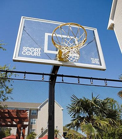 South San Francisco, CA: Sport Court
