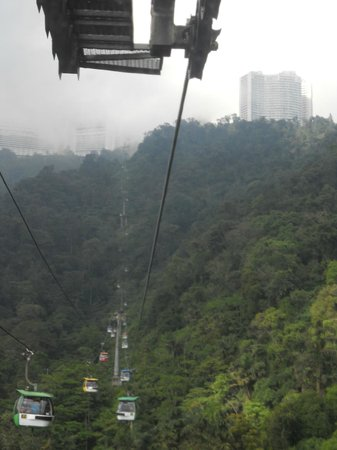 Pahang, Malasia: View of Casino De Genting from cable car