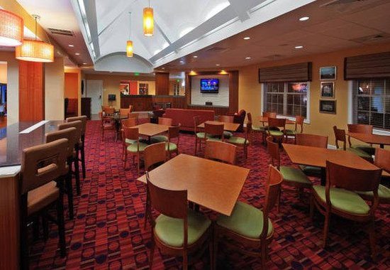 Residence Inn by Marriott Lakeland: Breakfast Dining Area