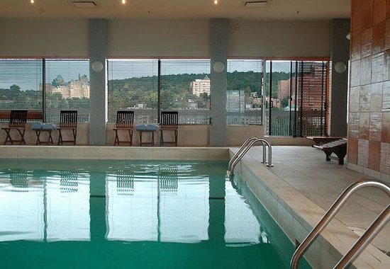 Residence Inn Montreal Westmount: Indoor Pool