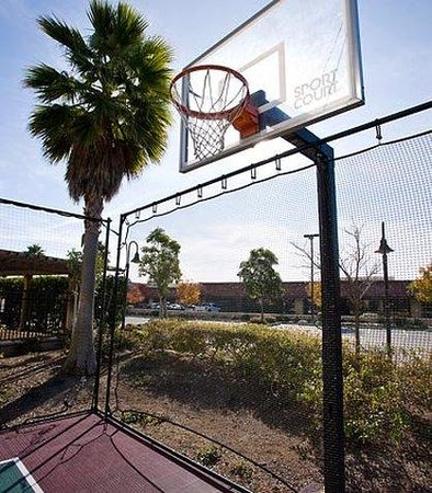Newark, Kalifornien: Sport Court