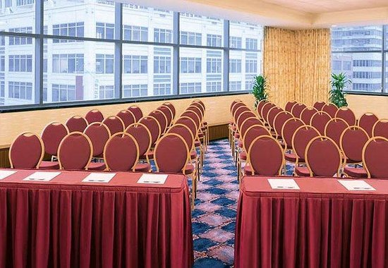 Residence Inn by Marriott Times Square New York: Bryant Park Meeting Room
