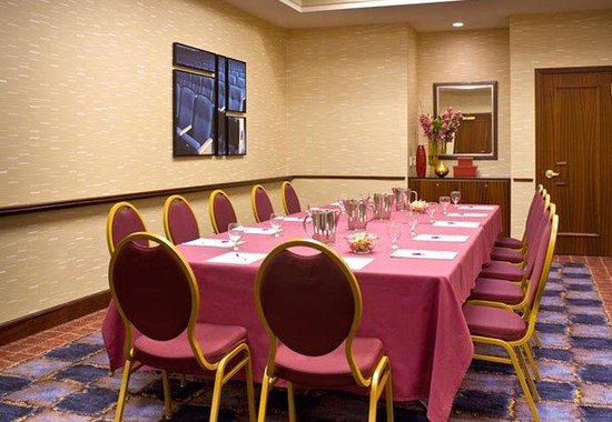 Residence Inn by Marriott Times Square New York: Broadway Meeting Room