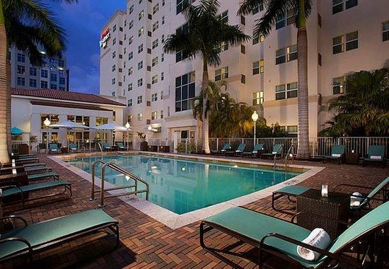 Residence Inn Miami Aventura Mall: Outdoor Pool Deck