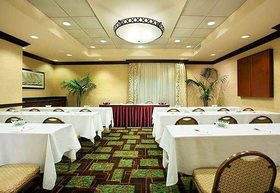 Aventura, FL: Meeting Room- Classroom Set Up