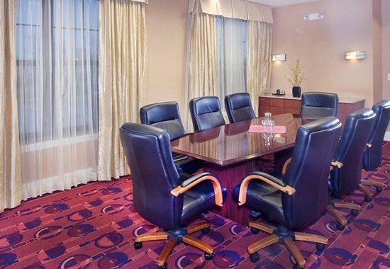 Dover, DE: Boardroom