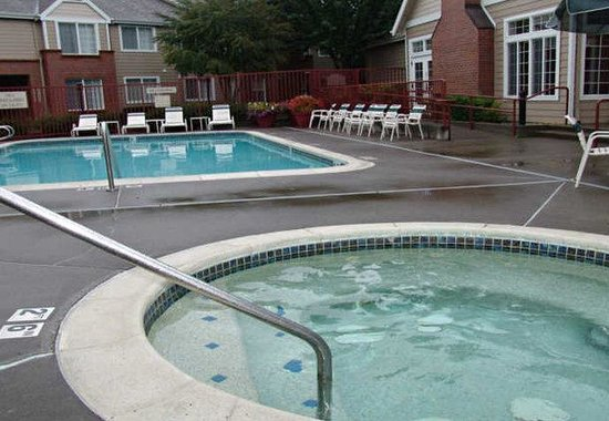 ‪‪Residence Inn Portland West/Hillsboro‬: Outdoor Pool‬