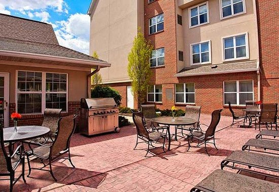 Novi, MI: Outdoor Patio