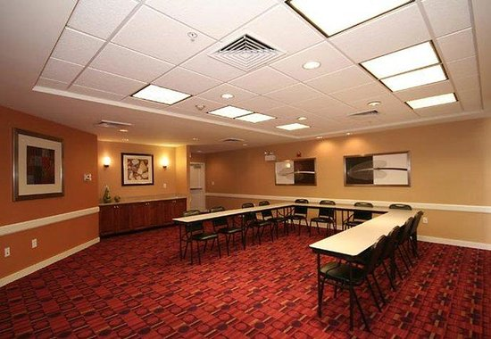 Residence Inn Greensboro Airport: Meeting Room