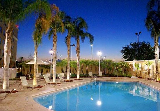 Residence Inn by Marriott Daytona Beach: Outdoor Pool and Whirlpool